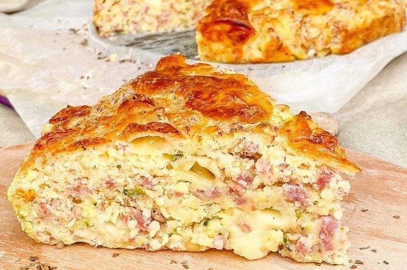 Torta rustica zucchine, salsiccia e scamorza affumicata